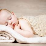 冬に赤ちゃんが布団をはいでしまう場合